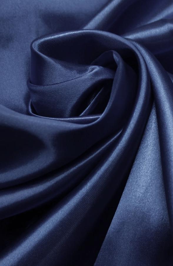 Скатерть темно-синий атлас круглая
