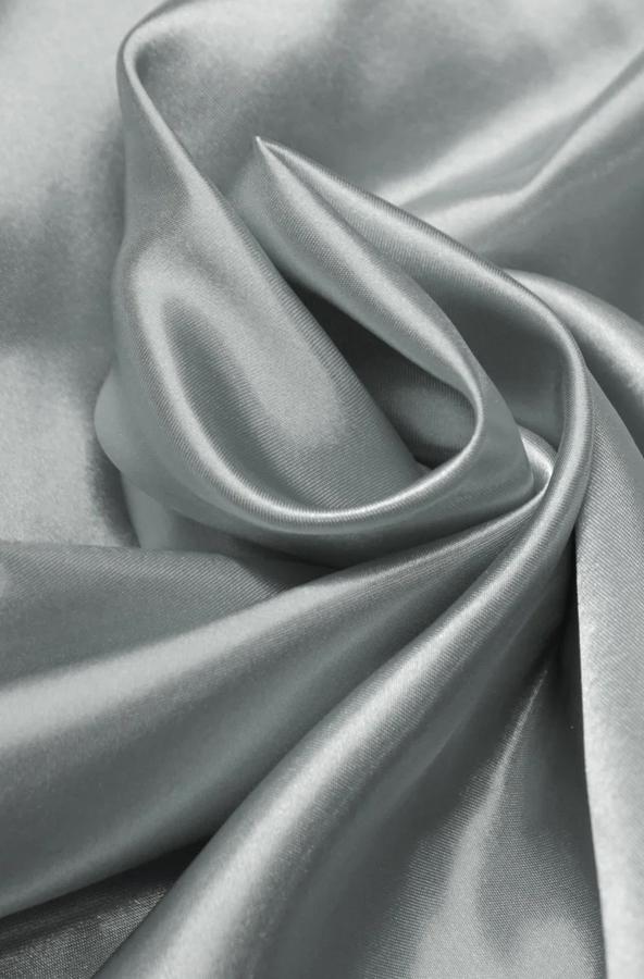 Скатерть атласная матовая светло-серебряная круглая