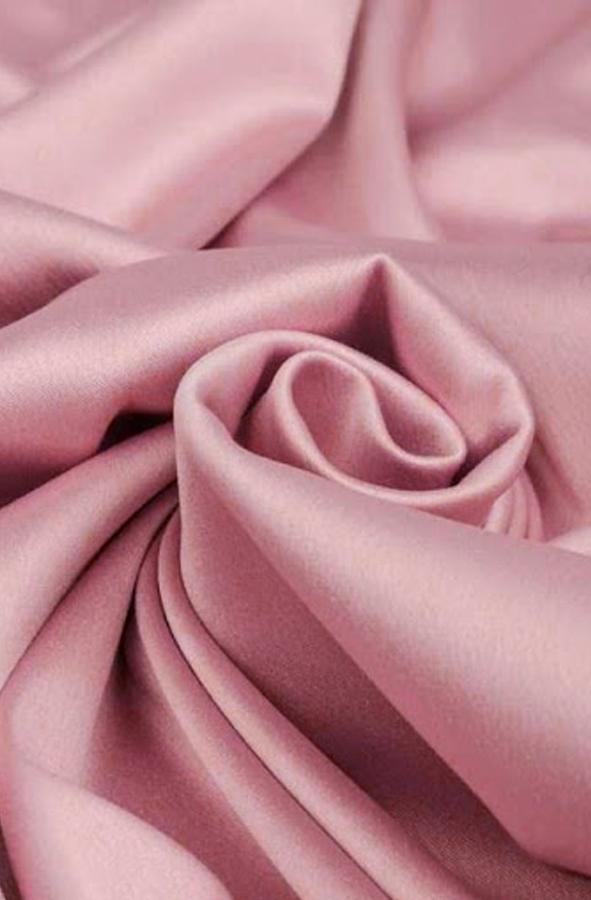 Скатерть розовый матовый атлас