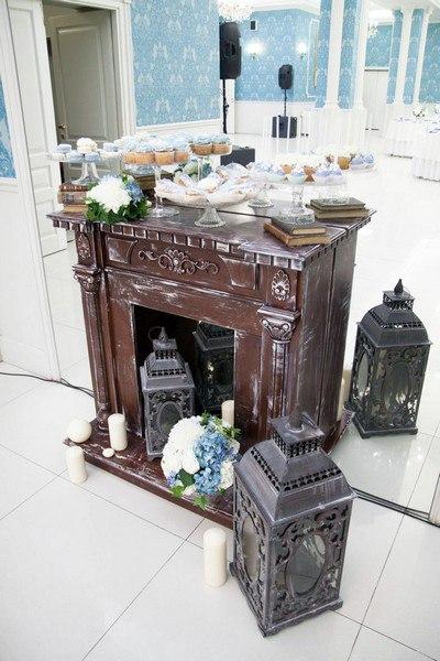 Камин декоративный коричневый