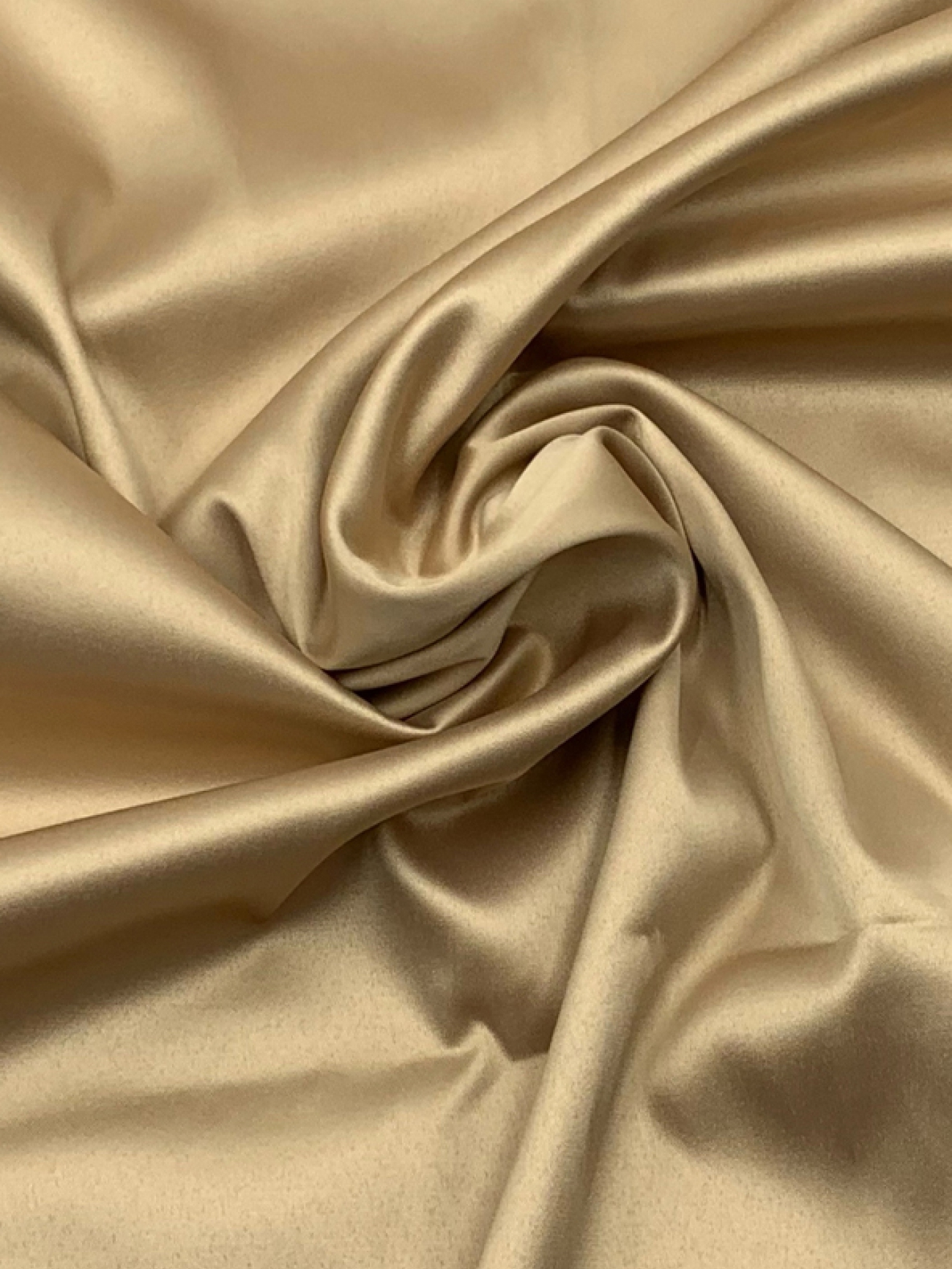 Скатерть атласная темно-золотая квадратная