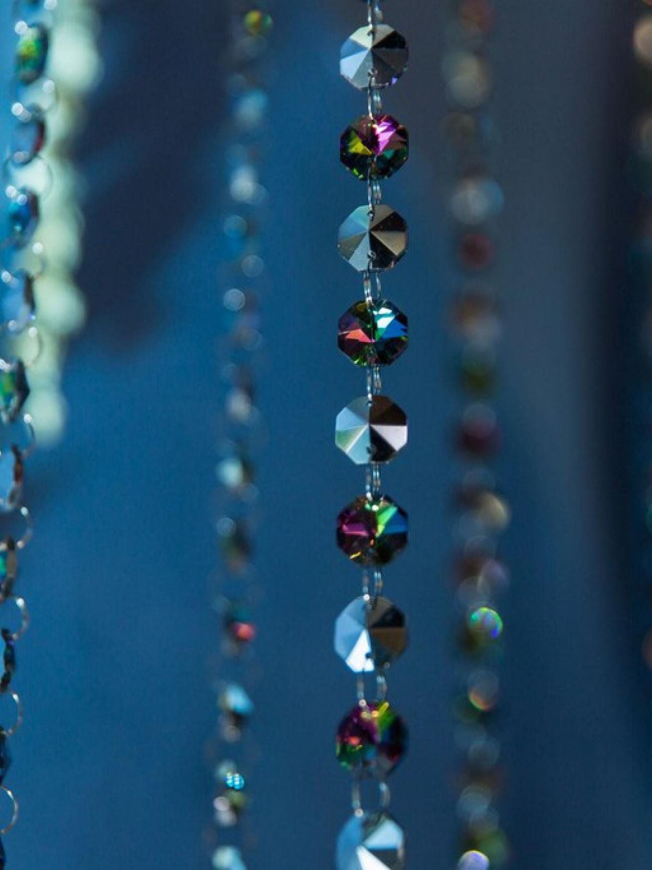 Нити цветных кристаллов