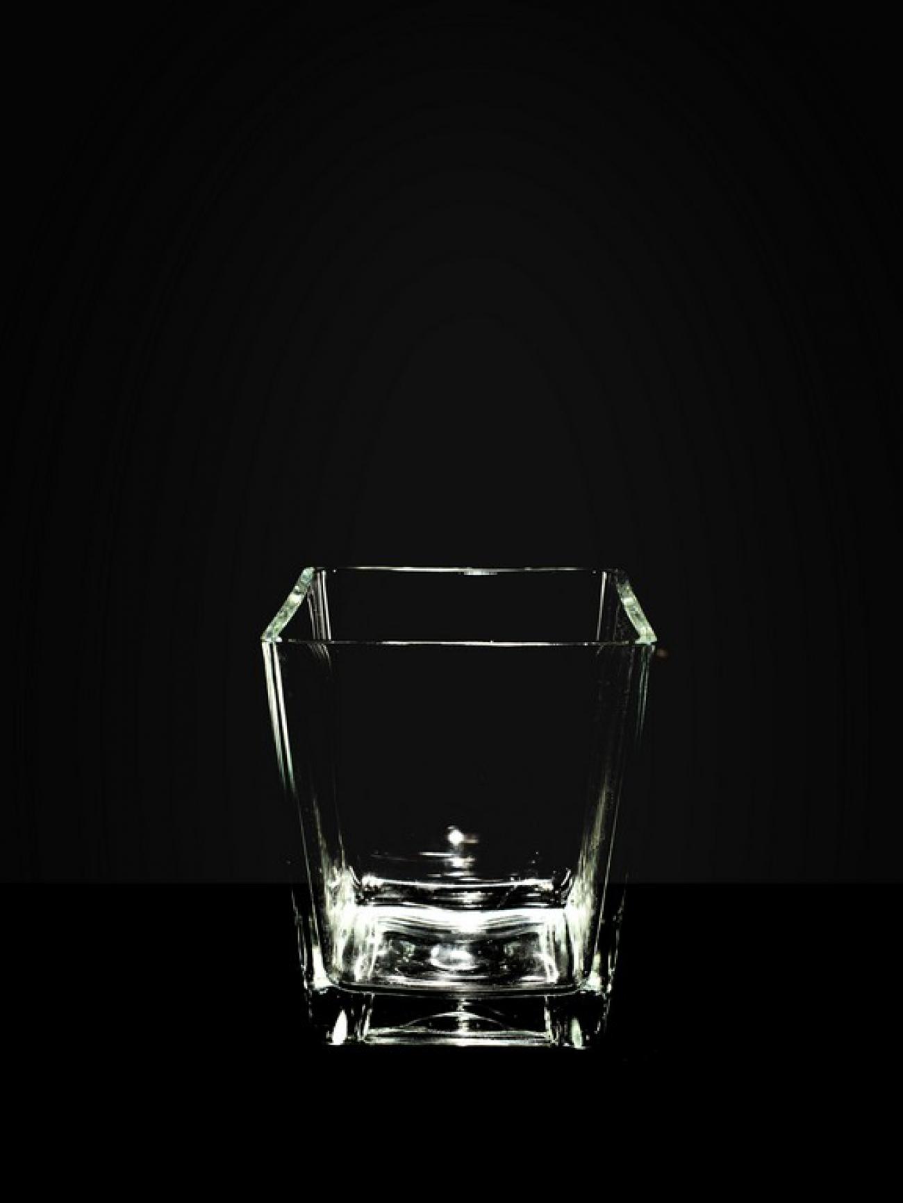 Ваза прямоугольная толстое стекло