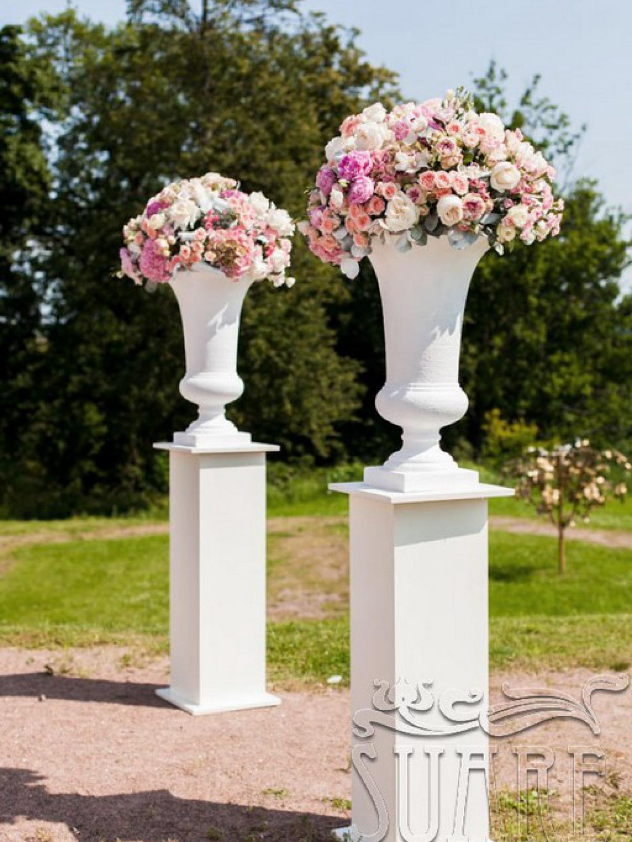Постамент-колонны белые