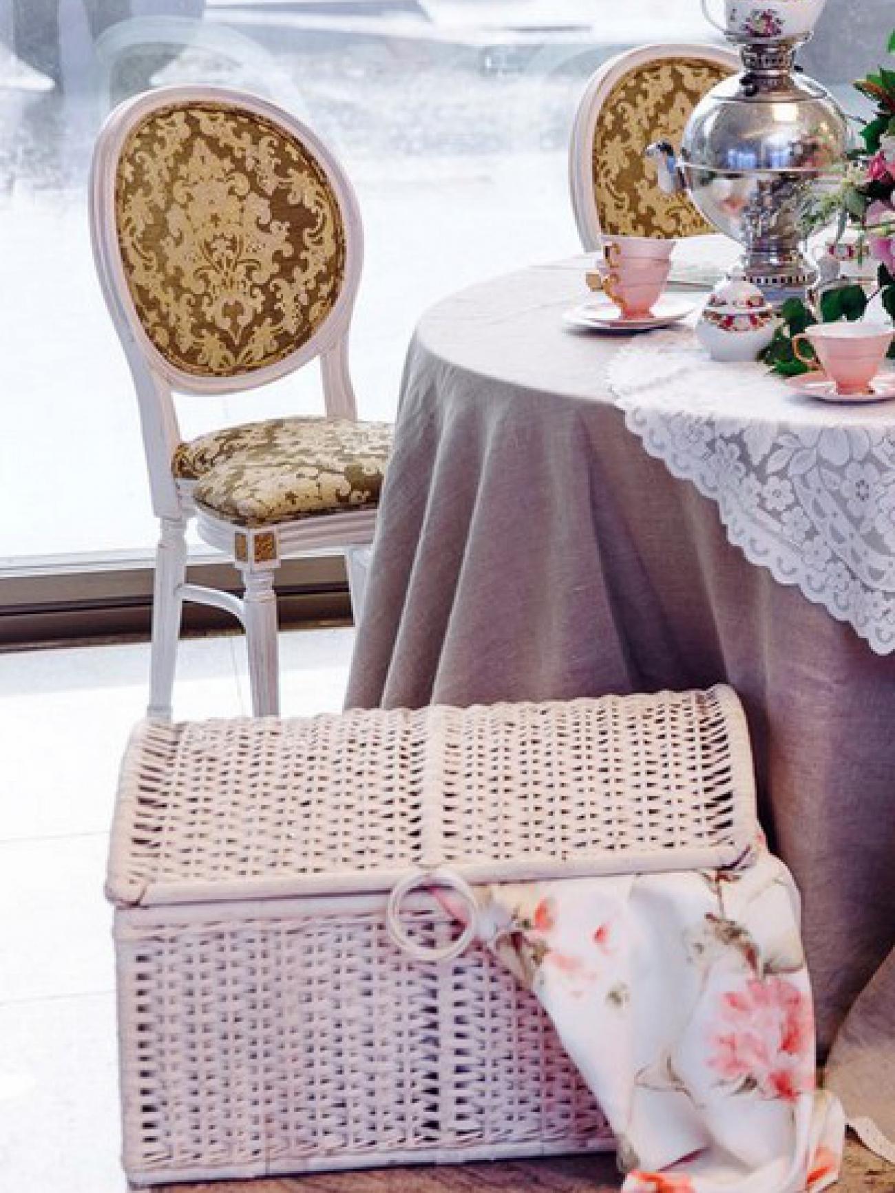 Плетеный сундук