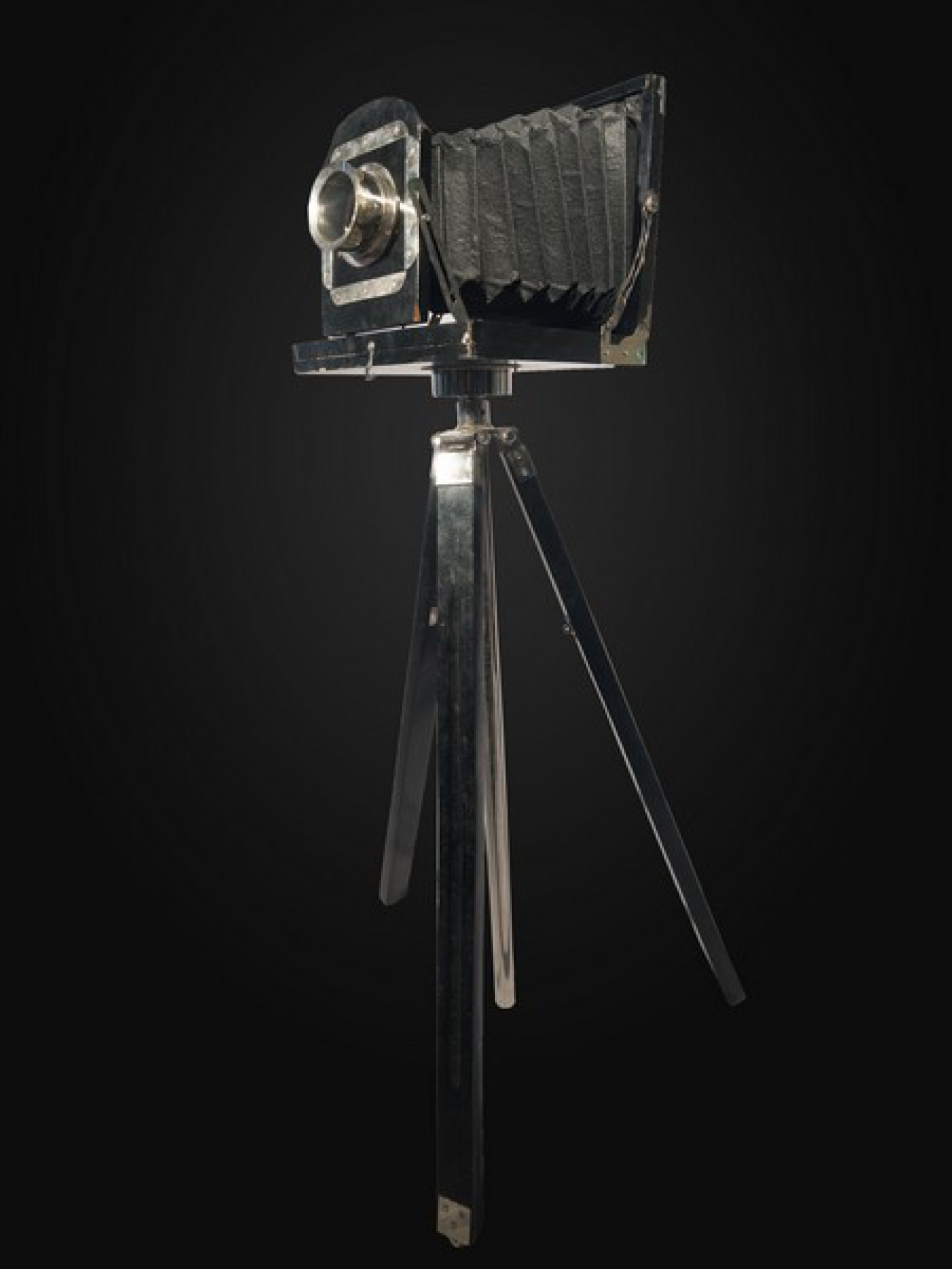 Ретро фотоаппарат на триноге